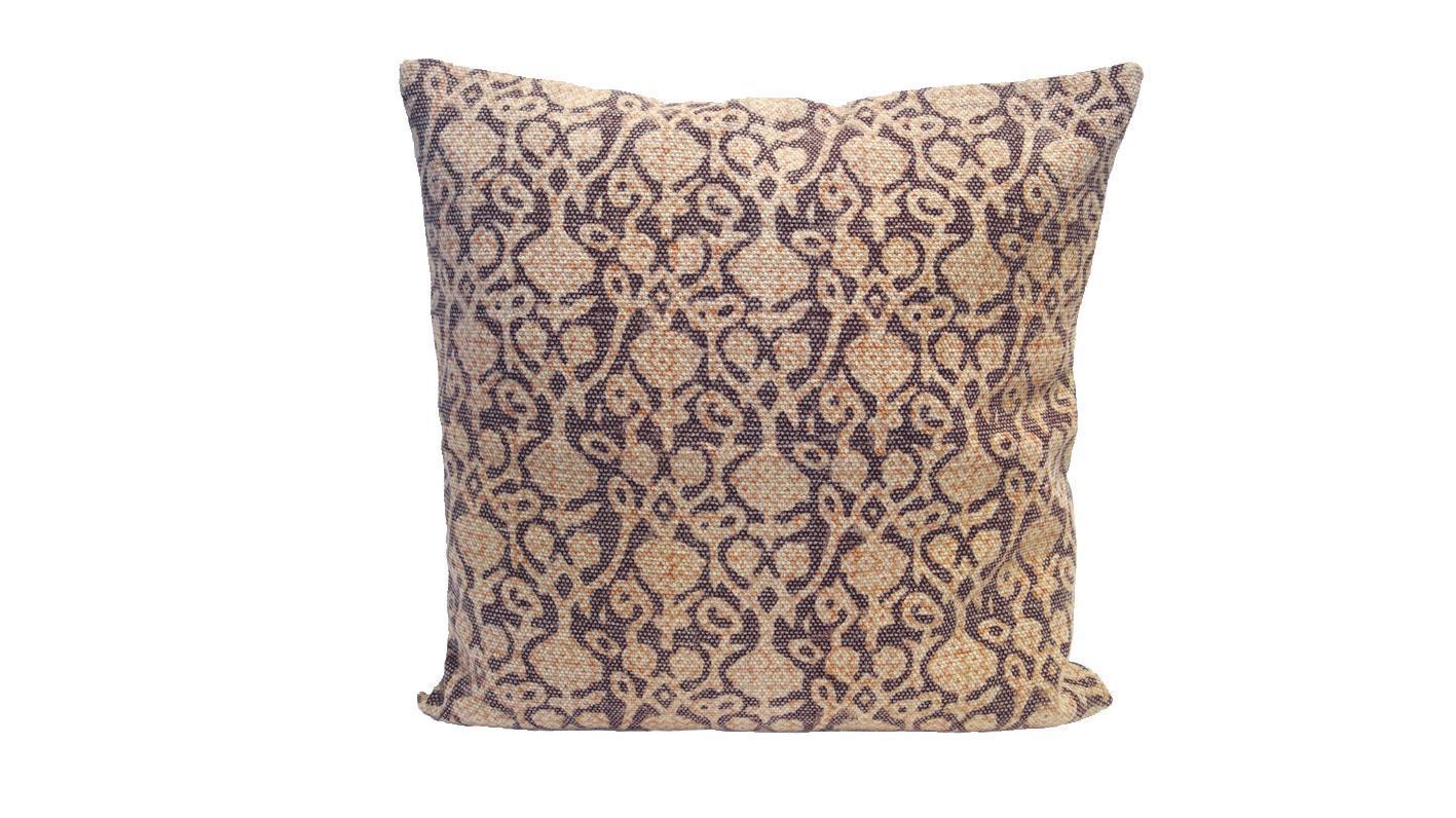 Pillow Bordeaux Ornament